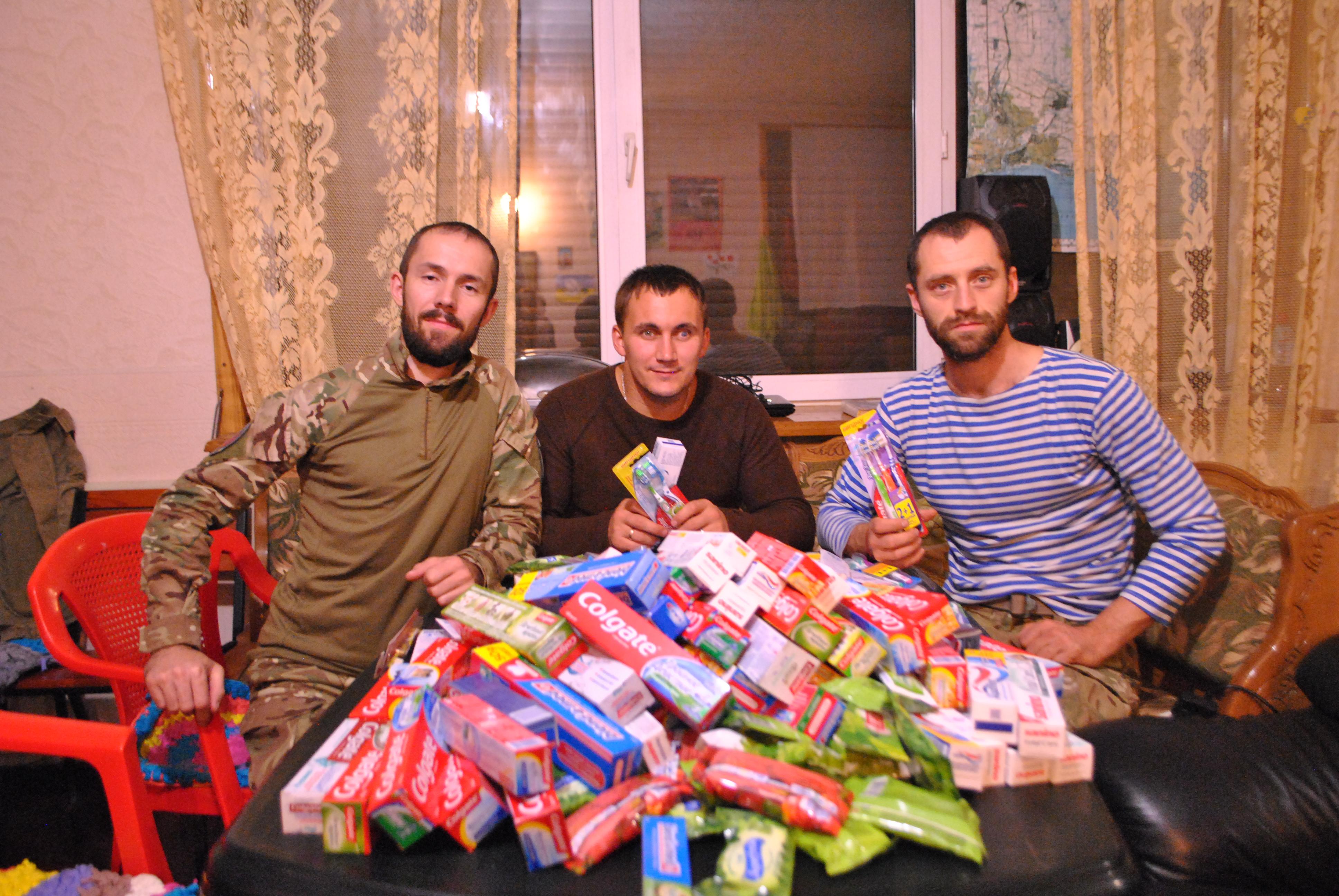 Служителі ХСП отримали зубну пасту і щітки від спільноти МАРАНАТА